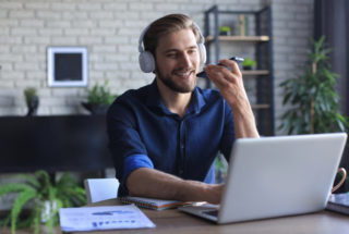 AI call center trends to watch Thumbnail