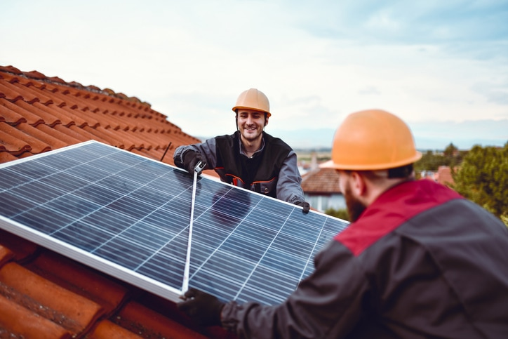Infographic   A dialer solution that shines for the solar industry